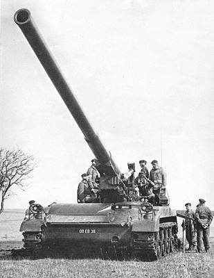 175mm Self-Propelled Gun M107