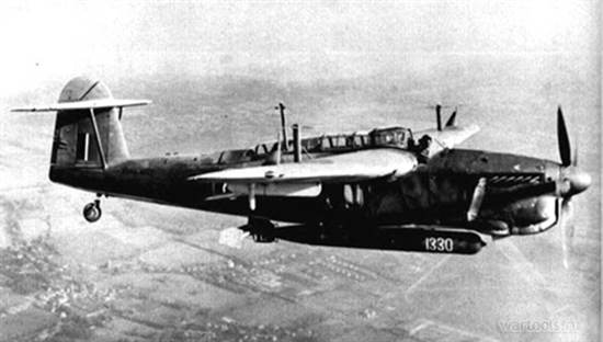 Fairey Barracuda с торпедой