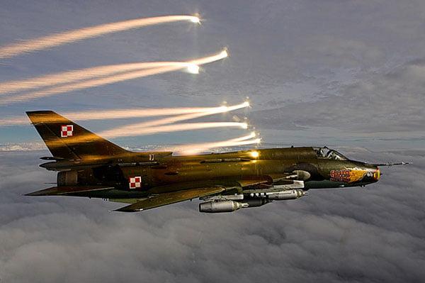 Как старенький Су-22 увернулся от современной американской AIM-9X в Сирии